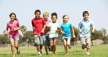 Vận động giúp bé gái tránh nguy cơ loãng xương về sau