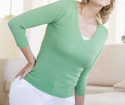Loãng xương nặng gây biến chứng lệch cột sống, làm sao cải thiện